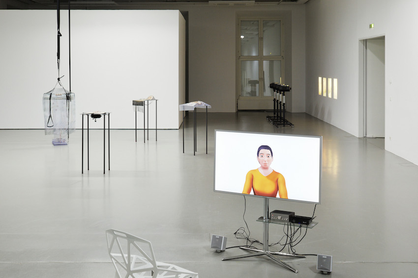 """Speculations on Anonymous Materials"", Fridericianum Installationsansicht Fridericianum © Photo: Achim Hatzius. Vorne: Oliver Laric, 5, 2013 HD video 10'00'' Courtesy Oliver Laric, Seventeen, London and Tanya Leighton, Berlin Hinten (v.l.n.r..): Alisa Baremboym, Syphon Solutions, 2013 Travel Impression, 2013 6-D, 2013 Sterile Impression, 2013; James Richards The Screen, 2013"